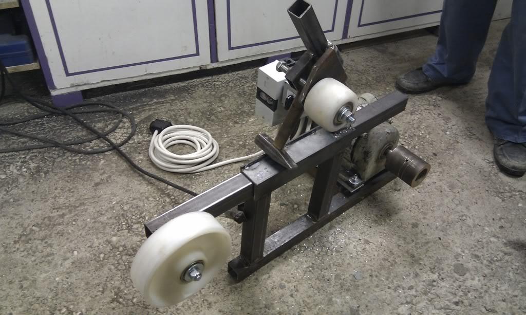 Moj belt grinder IMAG1872_zps468650c4