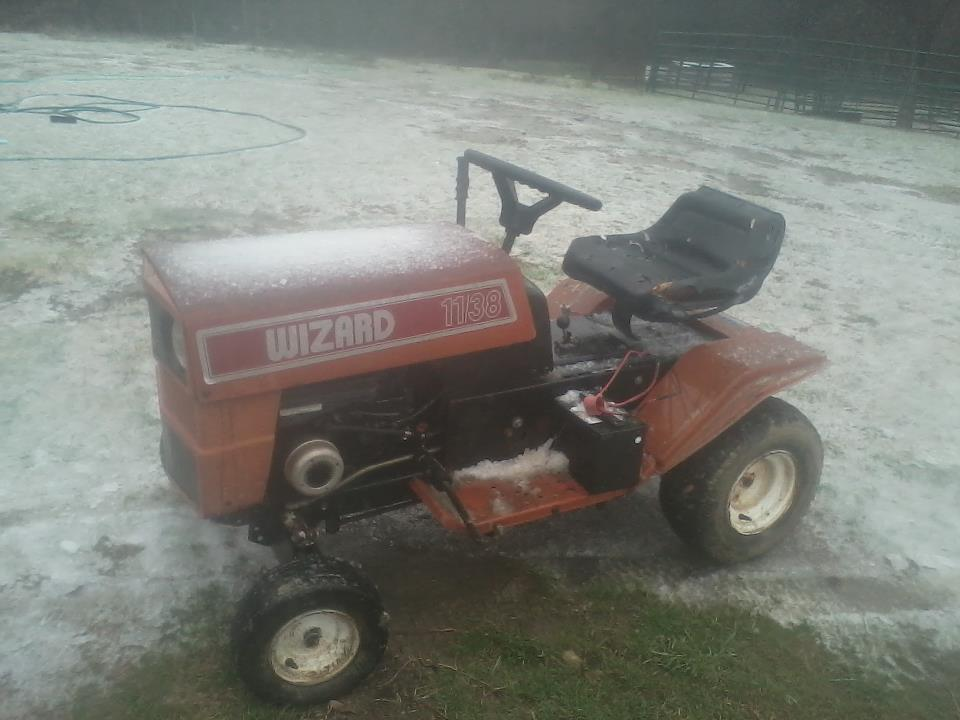 Might Get This Wizard Lawn Tractor 306414_486041364774719_1476976415_n