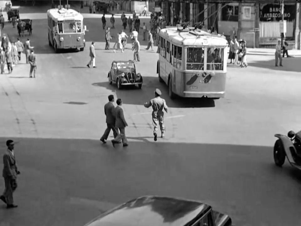 Ladri di Biciclette (1948) Vittorio De Sica BicycleThieves.06