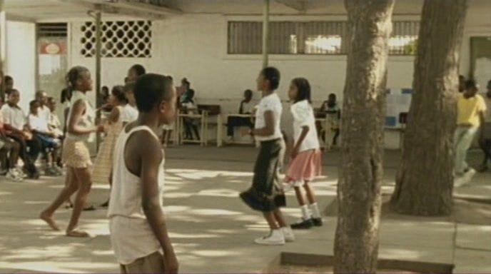 Na Cidade Vazia (Angola, 2004) director Maria João Ganga Na.Cidade.09