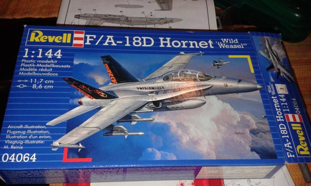 """F /A 18D  MARINES ESCUADRON """"BENGALS""""  REVELL  GERMANY 1/144 20140820_193920_zpsfbd919a9"""