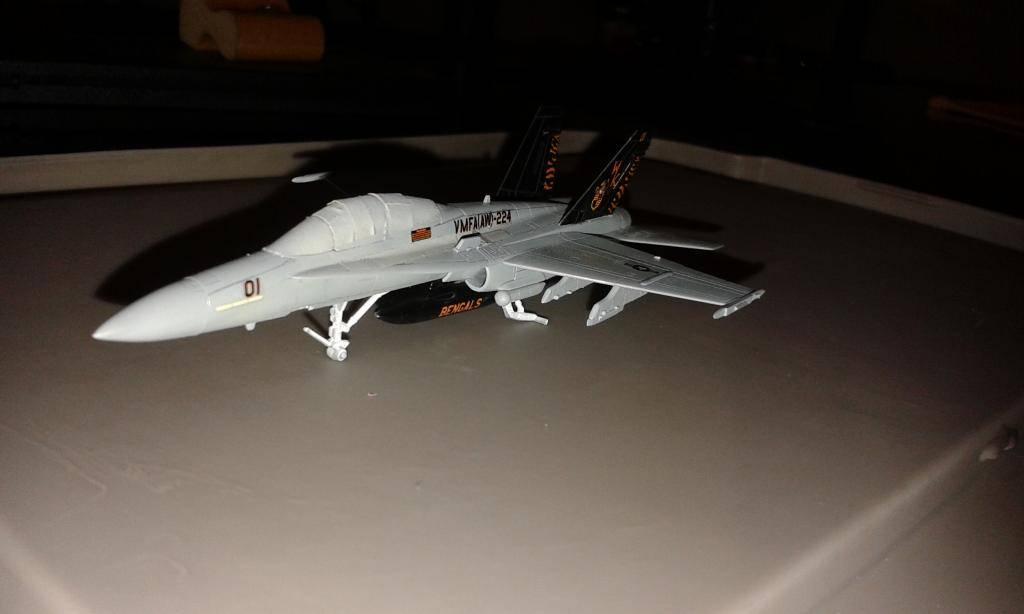 """F /A 18D  MARINES ESCUADRON """"BENGALS""""  REVELL  GERMANY 1/144 20140903_195544_zps5d9b17f4"""