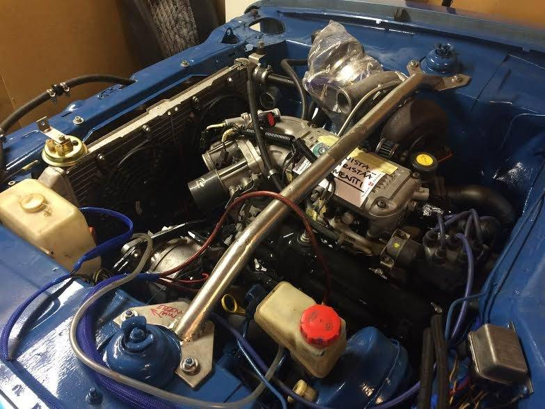 hessu75 - Finsk jävel Ford Capri 2.9 going turbo - Sida 3 Engine%20bay2_zpsr2fwyz1u