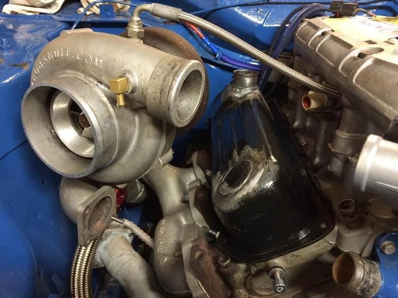 hessu75 - Finsk jävel Ford Capri 2.9 going turbo - Sida 3 Valve%20cover%20modded2_zpsg6e2rvqo