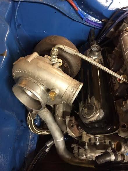 hessu75 - Finsk jävel Ford Capri 2.9 going turbo - Sida 3 Valve%20cover%20modded_zpscw4pkfx2