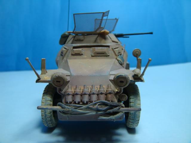 Sd.Kfz.222 LEICHTER PANZERSPAHWAGEN . DAK. (Deutsches Afrikakorps) DSC07051