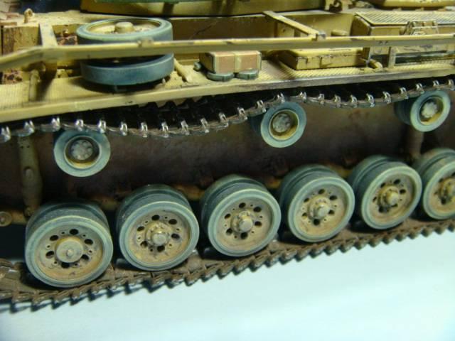 PANZERKAMPFWAGEN III Ausf. M (Sd.Kfz.141) Dragon DSC07383
