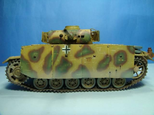 PANZERKAMPFWAGEN III Ausf. M (Sd.Kfz.141) Dragon DSC07411