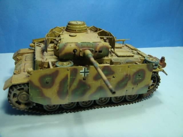 PANZERKAMPFWAGEN III Ausf. M (Sd.Kfz.141) Dragon DSC07412