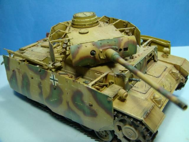 PANZERKAMPFWAGEN III Ausf. M (Sd.Kfz.141) Dragon DSC07424