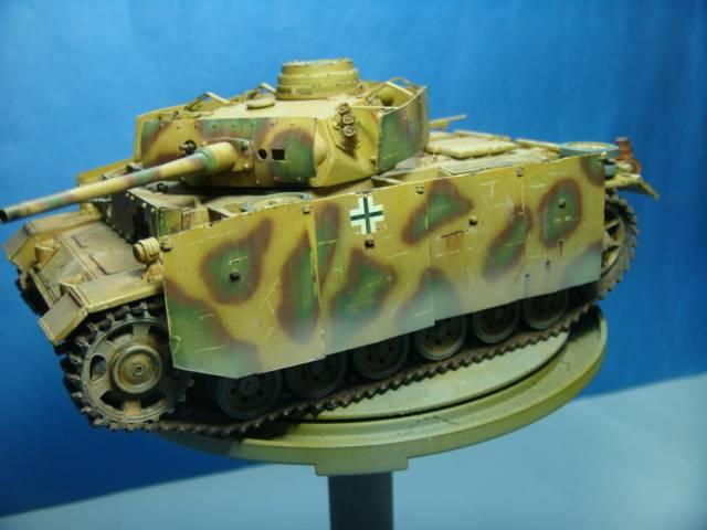 PANZERKAMPFWAGEN III Ausf. M (Sd.Kfz.141) Dragon DSC07437