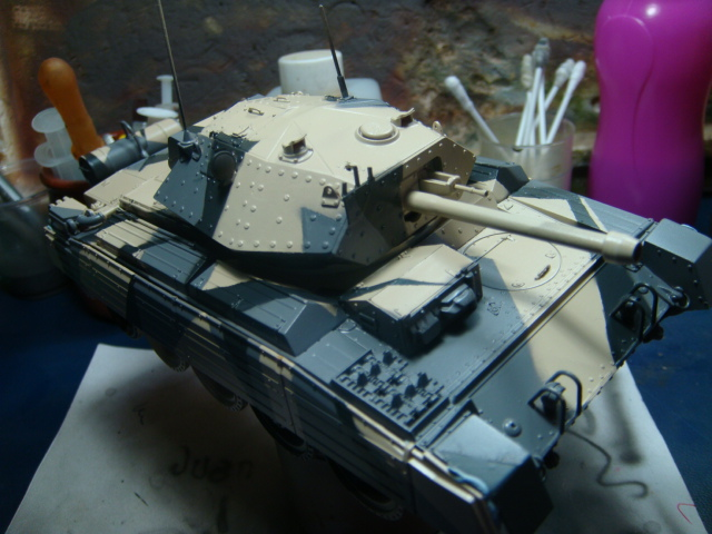 A15 Crusader Mk III  Italeri 1/35... - Página 4 DSC07762