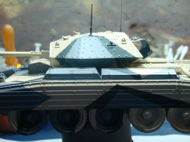 A15 Crusader Mk III  Italeri 1/35... - Página 4 DSC07767