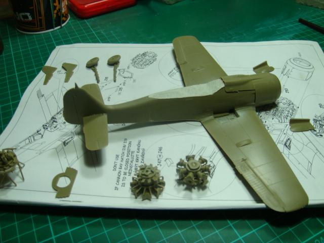 Focke-Wulf Fw 190A-8 .eduard Weekend Edition a 1/48.. - Página 2 DSC07770