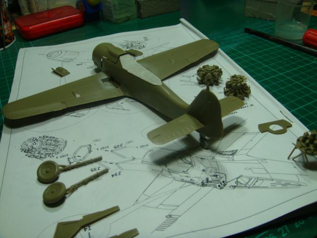 Focke-Wulf Fw 190A-8 .eduard Weekend Edition a 1/48.. - Página 2 DSC07771