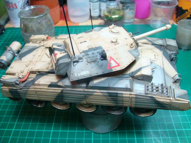 A15 Crusader Mk III  Italeri 1/35... - Página 4 DSC07802