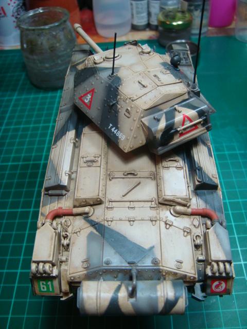 A15 Crusader Mk III  Italeri 1/35... - Página 4 DSC07804