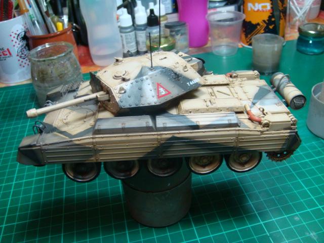 A15 Crusader Mk III  Italeri 1/35... - Página 4 DSC07805