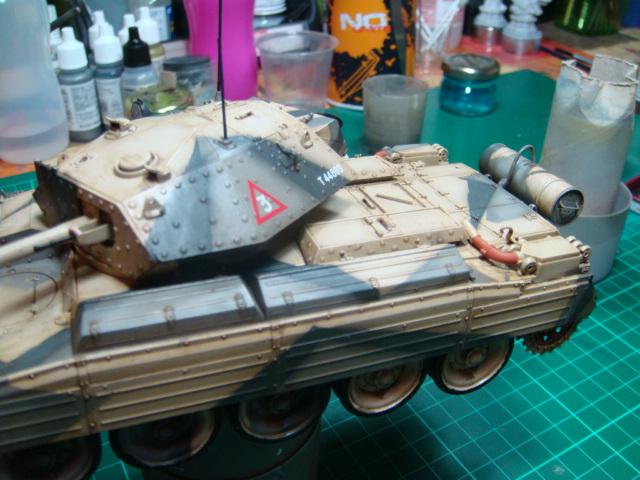 A15 Crusader Mk III  Italeri 1/35... - Página 4 DSC07806