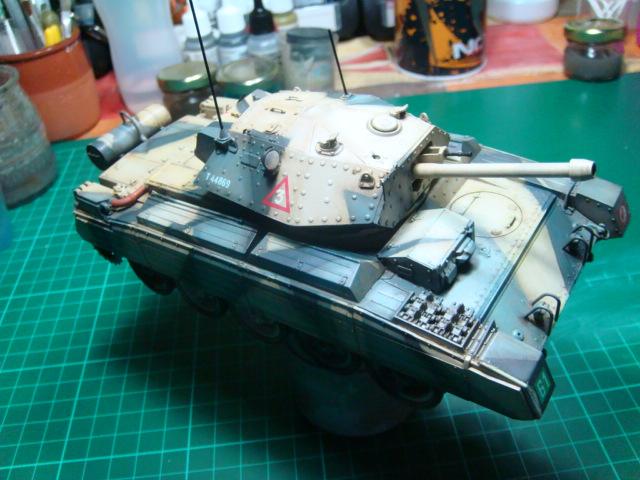 A15 Crusader Mk III  Italeri 1/35... - Página 4 DSC07813
