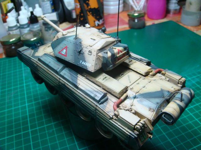 A15 Crusader Mk III  Italeri 1/35... - Página 4 DSC07816