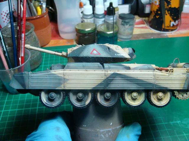 A15 Crusader Mk III  Italeri 1/35... - Página 4 DSC07818