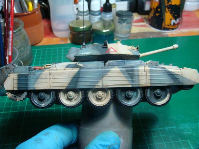 A15 Crusader Mk III  Italeri 1/35... - Página 4 DSC07819