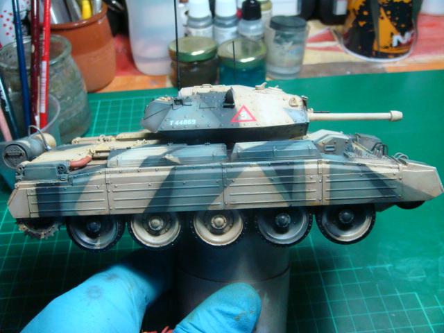 A15 Crusader Mk III  Italeri 1/35... - Página 4 DSC07820