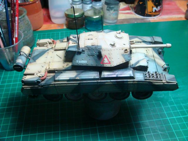A15 Crusader Mk III  Italeri 1/35... - Página 4 DSC07821