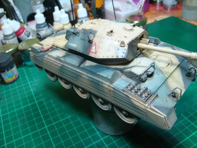 A15 Crusader Mk III  Italeri 1/35... - Página 4 DSC07822
