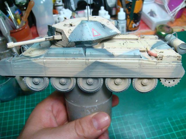 A15 Crusader Mk III  Italeri 1/35... - Página 4 DSC07841