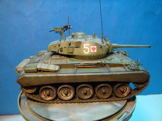 M - 24 Chafee.. Italeri ..1/35..   Ejercito Frances  ( Điện Biên Phủ )  DSC09434_zpsb6bef231