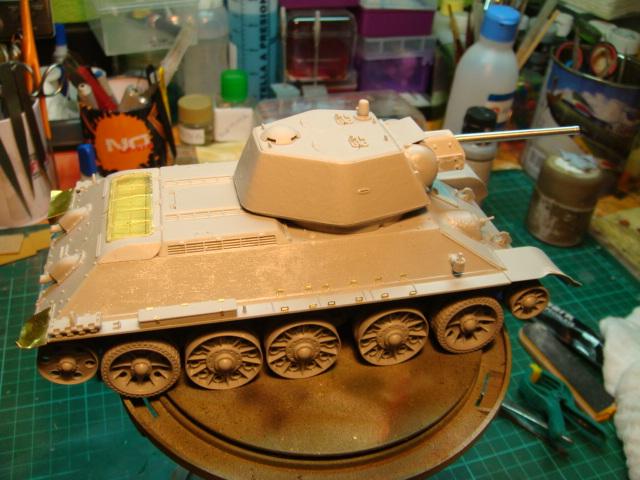 T-34/76 .. Mod 1942 dragon  1/35 DSC09517_zps93f91651