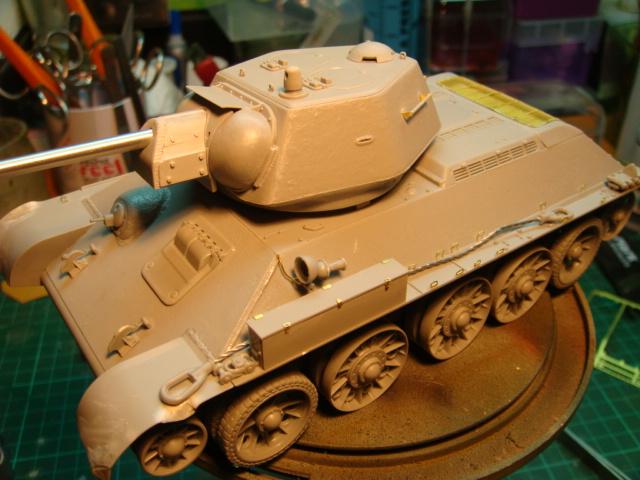 T-34/76 .. Mod 1942 dragon  1/35 DSC09529_zps2204f977