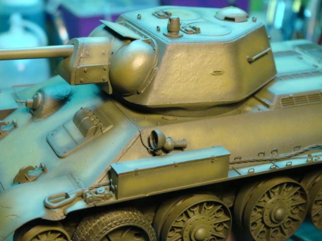 T-34/76 .. Mod 1942 dragon  1/35 DSC09545_zps95ce5e2b
