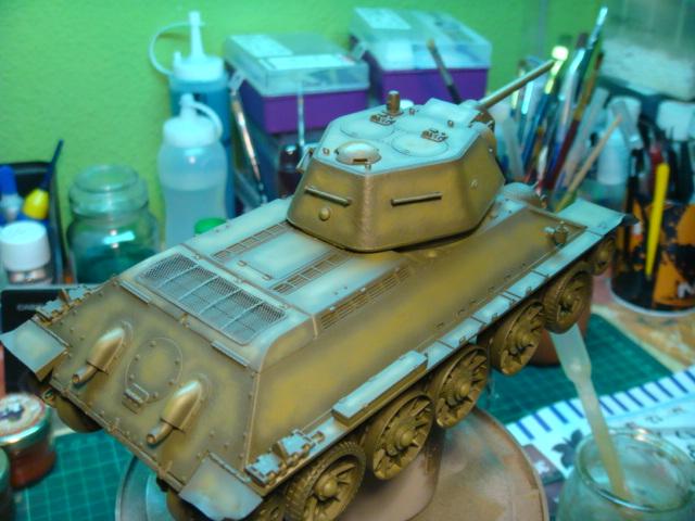 T-34/76 .. Mod 1942 dragon  1/35 DSC09547_zps7b50560a