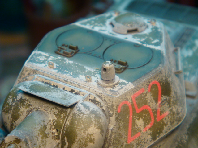 T-34/76 .. Mod 1942 dragon  1/35 DSC09580_zps2babed52