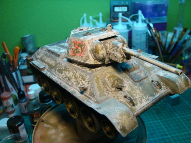 T-34/76 .. Mod 1942 dragon  1/35 DSC09584_zps6ee8ced2