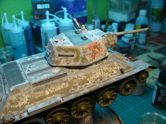 T-34/76 .. Mod 1942 dragon  1/35 DSC09585_zps65a63df6