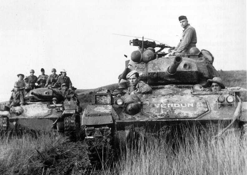 M - 24 Chafee.. Italeri ..1/35.. M24016il9_zpsf898bc78