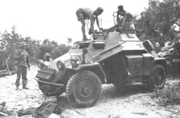 Sd.Kfz.222 LEICHTER PANZERSPAHWAGEN . DAK. (Deutsches Afrikakorps) Sdkfz2222222222