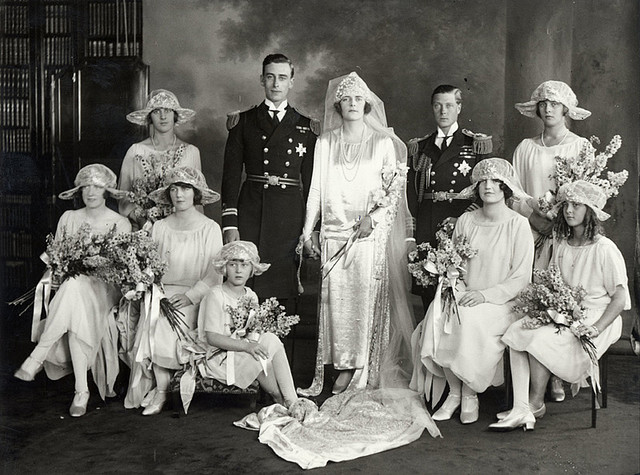 Los Battenberg - Página 7 Edwina-Ashley-wedding-to-Lord-Louis-Mountbatten_zps1e4288fe