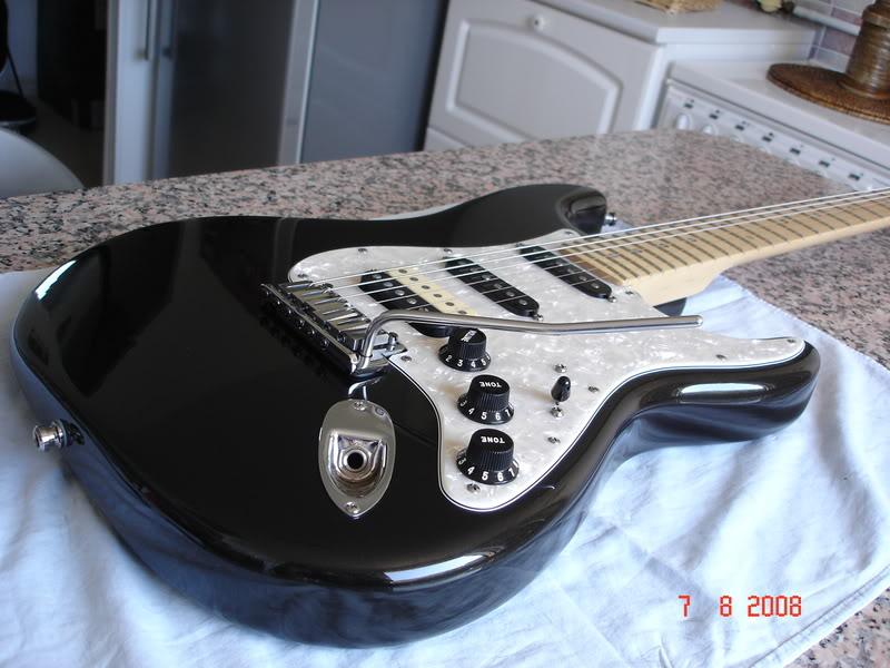 Photos de vos guitares. [Ancien Topic] DSC04259