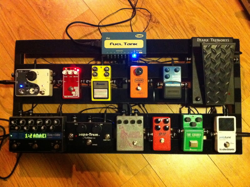 Photos de nos PedalBoard (ancien topic) - Page 40 IMG_1090