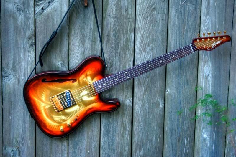 Gigliotti Guitars GigliottiHangingOutdoors