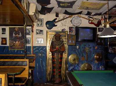 Rust In Peace... Eddie's Bar Faro15a18-07-2004082b