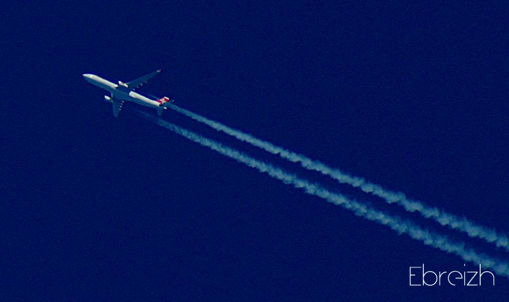 Contrail Spotting by Ebreizh HB-JHH_1