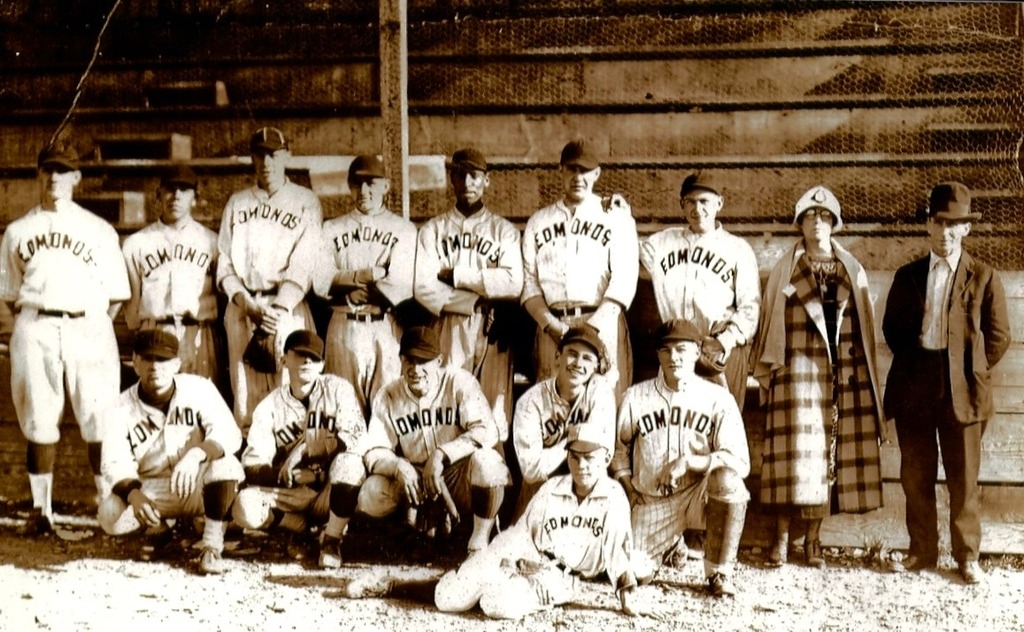 Happy 100th Anniversary of Claxton's Integration of Baseball Jimmy%20Claxton%20-%20Edmonds%20-%201925_zpsrstza6ih