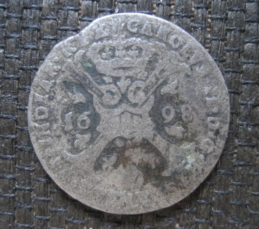 4 patards 1698. Carlos II. Amberes. 369bfbb8-dbfc-43f4-a89e-7284831f45f8