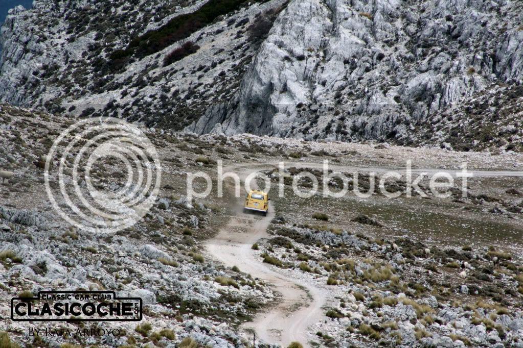 CRÓNICA XII RUTA CLASICOCHE // Por las Sierras de Jaén // 1 de abril de 2012 - Página 3 IMG_2402